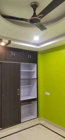 3bhk 2bhk for rent nearby metro station and noida sector 15,16