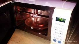 Hyundai MICROWAVE OVEN WORKING CONDITION