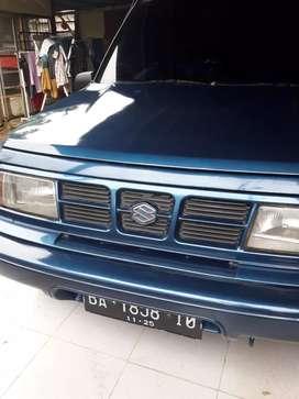 Dijual Suzuki Escudo Nomad thn 2000