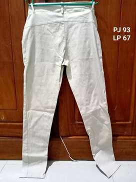 Celana kain Cream stlh beli ga muat, tdk pernah dipakai hanya dicba sa