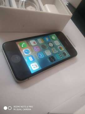 Iphone 4s 16gb with acccrs