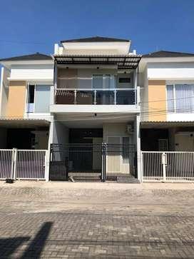 Rumah Rungkut Asri, Surabaya, SHM, sisa 1 Unit