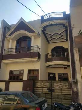 Independent kothi 135 sq yrd 3 bed room attached bathroom