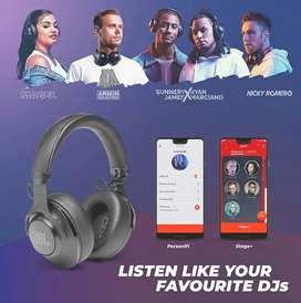 JBL Club 700BT Over Ear Bluetooth Headphones