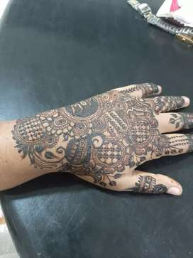 Mehandi at just rs 300 for 2 hand Exclusive offer 4 this month