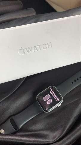 Apple watch seri 4 44mm pemakaian cewek