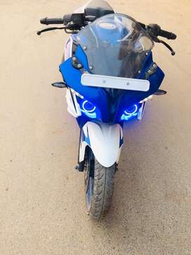 In good condition bajaj pulsar rs200 ABS 1.5 years old bs4 model