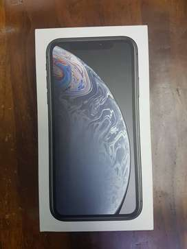 iPhone Xr 128 gb  white full box with bill warranty remaining  Clean c