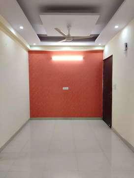 3bhk builder flat in Vishnu garden,sector-105 ,Ggn
