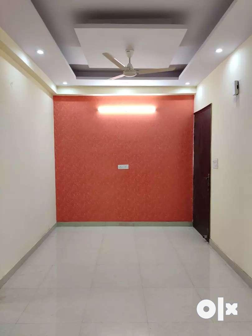 3bhk builder flat in Vishnu garden,sector-105 ,Ggn 0