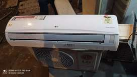Split and window type air-condition in excellent condition