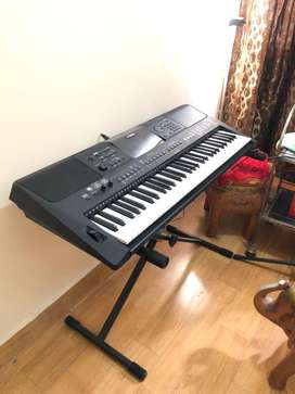 YAMAHA PSR E463 for Sale | 1 Month Used
