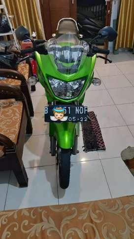 Kawasaki Ninja R, jarang pakai full orisinil, pemakaian anak rumahan!!