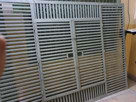 Jangla ( iron grating )
