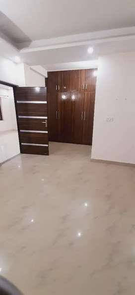 3 Bhk Independent Floor / Near It Park