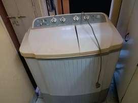 LG semi automatic washing machine on sale for 2000