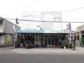 Dijual Ruko 2 lokal berikut rumah tinggal