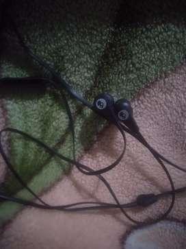 skullcandy ink d earphone 2 month use