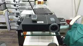 Rent a Multimedia Projector and Projection screens