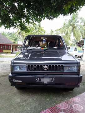 Di jual kijang super (deluxe) th 1995.