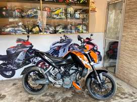 Sale mint condition KTM Duke 200cc only 82,500.