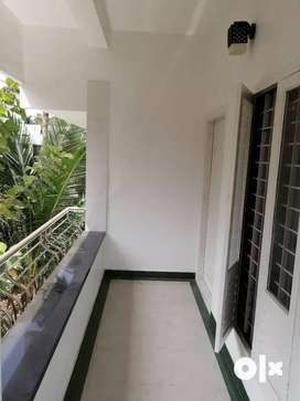 2BHK building for rent at vyttila chakkaraparambu(First Floor)