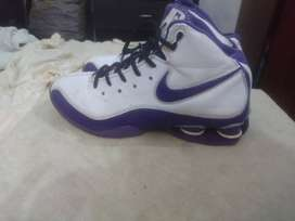 nike available