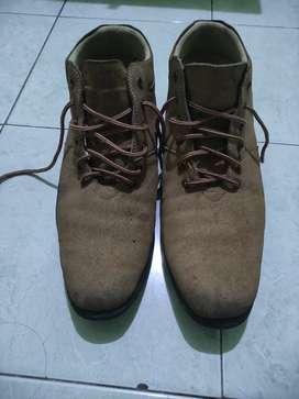Dijual  BU sepatu size 46