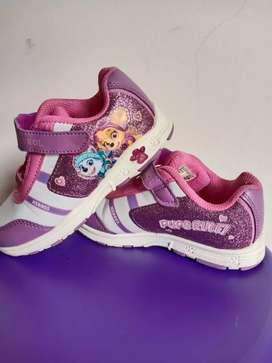 Sepatu anak umur 3-4 th,barang ori