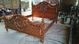 Tempat tidur ukiran jepara bahan kayu jati perhutani