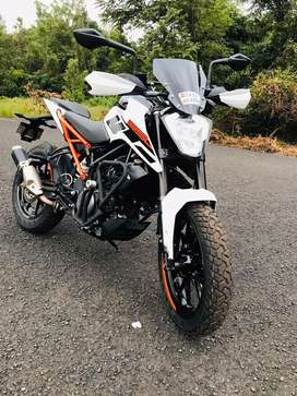KTM Duke 250 with vip no. 8888 with DRL led light in good condition.