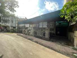 Private House for with commercial  basement  for  Sale
