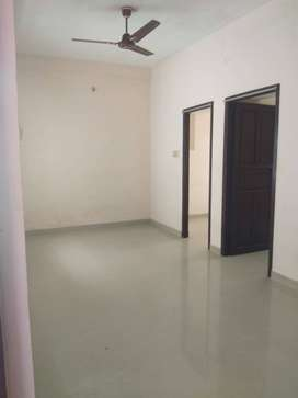 01 Bhk New Apt near Thevara ferry road for Employed Family