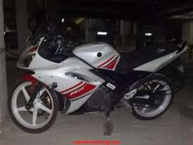 Yamaha YZF R15 V 1.0 in excellent condition for sale.