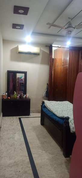independant furnished room for girls in faisal tow