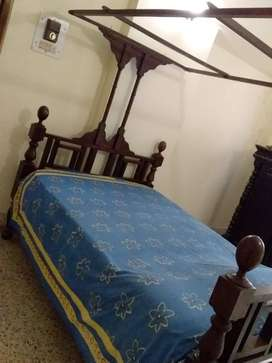 Solid Teak Wood Antique Canopy Bed