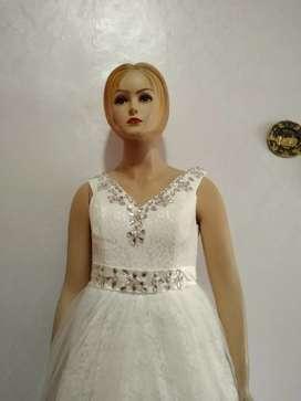 Gaun Pengantin wanita