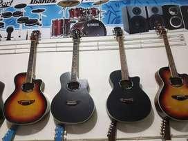 Gitar Costum Pabrikan