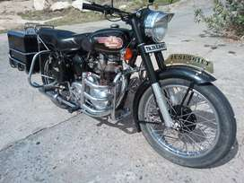 Royal Enfield / Bullet