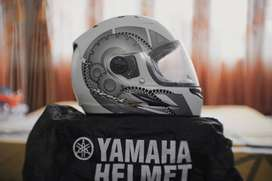 Helm Yamaha Cargloss rasa baru (Bahan ala ala arai)