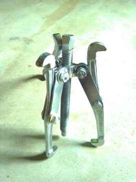 Bering puller tool