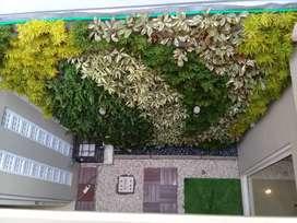 Taman vertikal garden dan sintetis