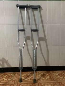 alat bantu jalan atau krek
