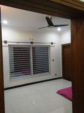 10 Marla upper portion available four Bahria town phase 8