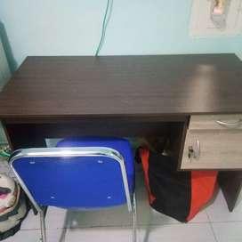 DIJUAL 1 SET Kursi dan Meja Kantor