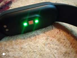 mi fitness band 5, 10days old with magnetic charging (Waterproof)