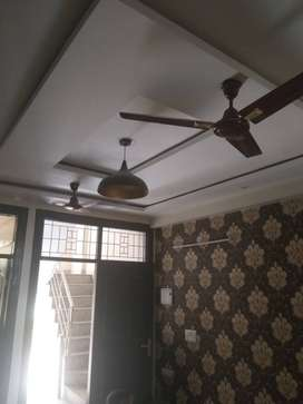 3 BHK FLOOR FURNISHED AND PARK FACING IN 41 LACS