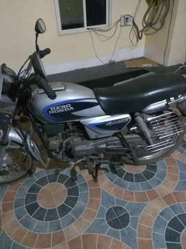 Hero Honda Splendor in good running condition.
