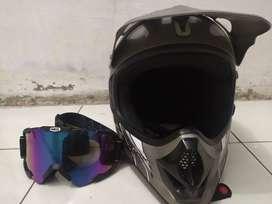 Jual helm KLX bekas, kondisi bagus