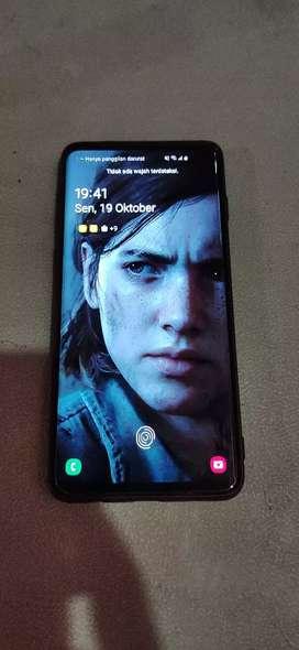 Samsung Galaxy S10 Prism Black 8/128 gb mulus like a new